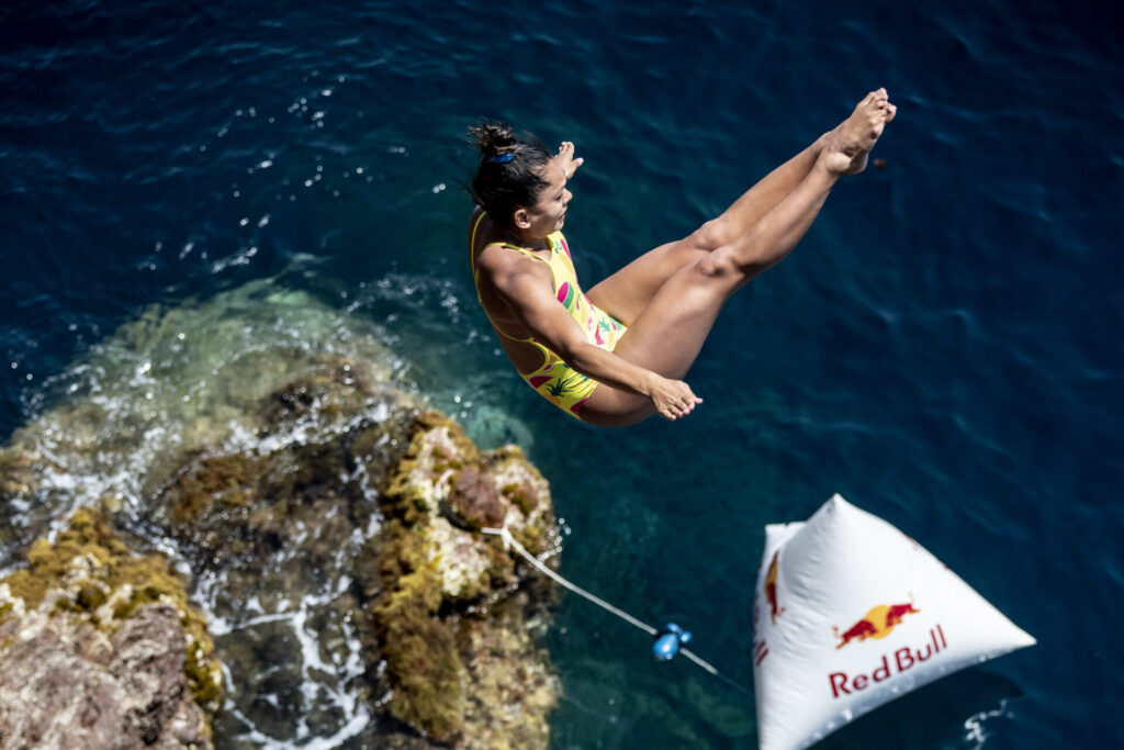 red bull cliff diving compétition plongeon